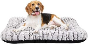 Coohom Deluxe Plush Dog Bed Pet Cushion Crate Mat, Washable Pet Bed for Medium Large Dogs and Dogs Crates