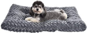 AMAZONBASICS PLUSH DOG PET BED PAD